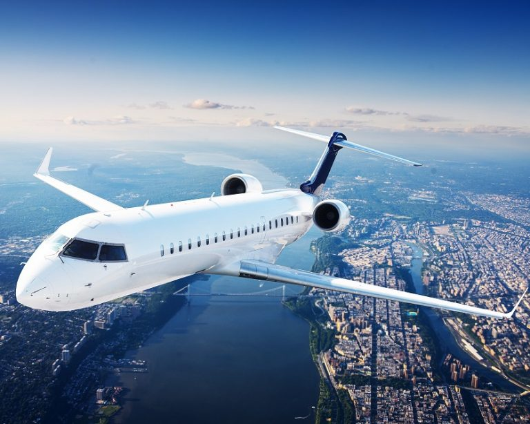 Private,Jet,Plane,In,The,Blue,Sky